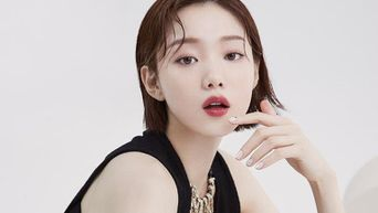 Lee SungKyung For ELLE Korea Magazine July Issue
