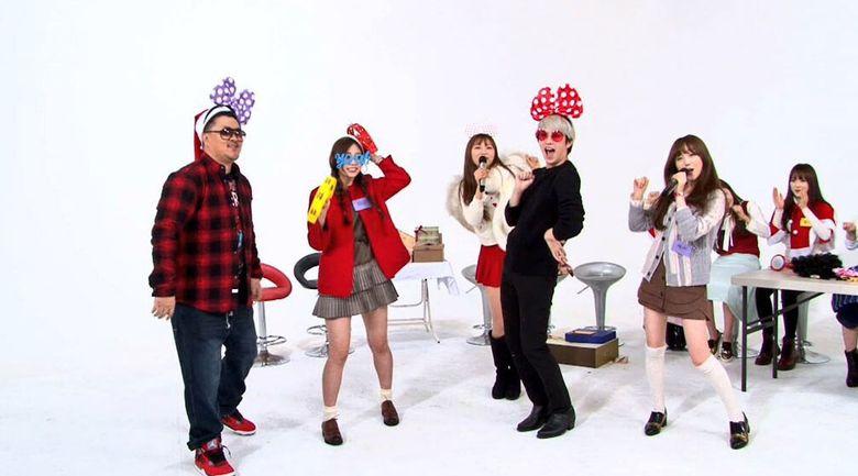 "TWICE Vie With Lovelyz At ""Sugar Man"" And ""Weekly Idol"""