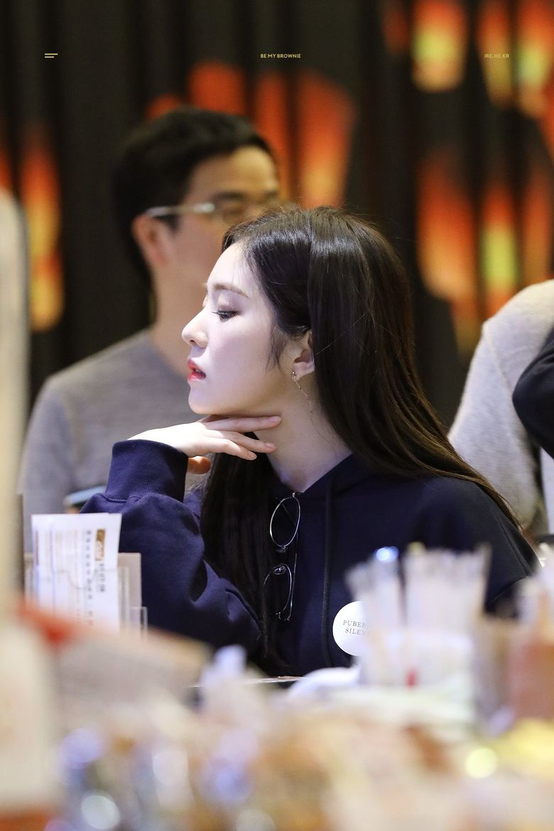 Top 8 Female Idols With Arresting Jawlines