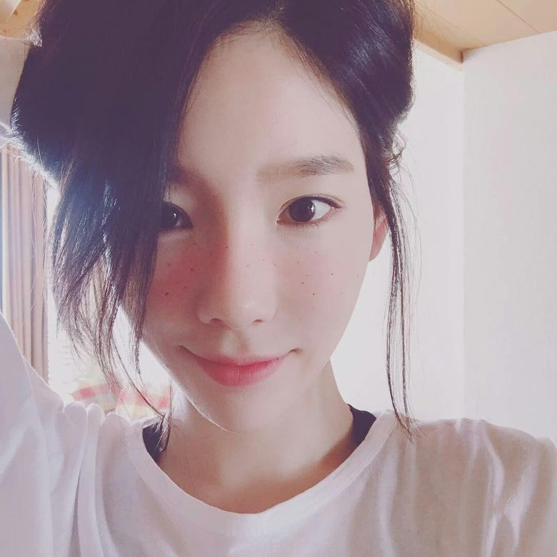 Top 5 Most Beautiful K-Pop Idols Chosen By K-Pop Idols