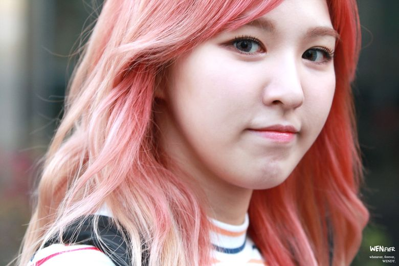 Female K-Pop Idols With The Fluffiest Cheeks