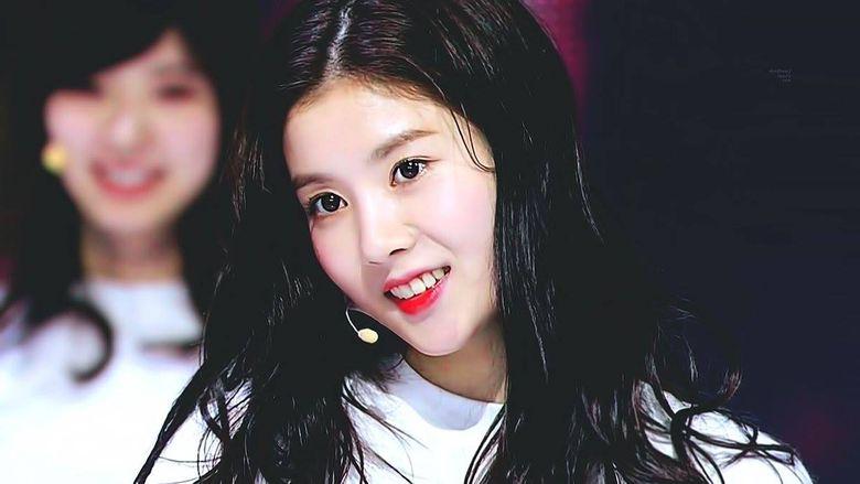 """""""Produce 48"""" Kwon EunBi From Woollim Ent Looks Like Red Velvet's Irene?"""