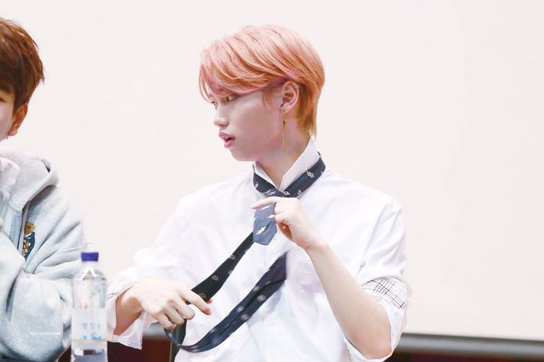 Stray Kids' Felix Causes Fans To Hold Their Breath While Untying A Tie
