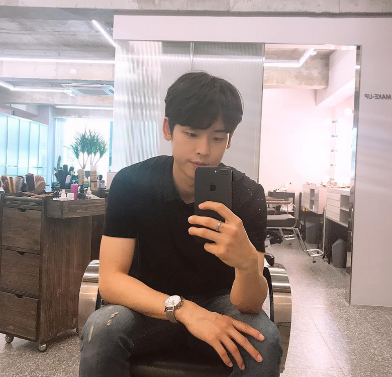 This Actor Is Popular Among Korean Middle And High School Students