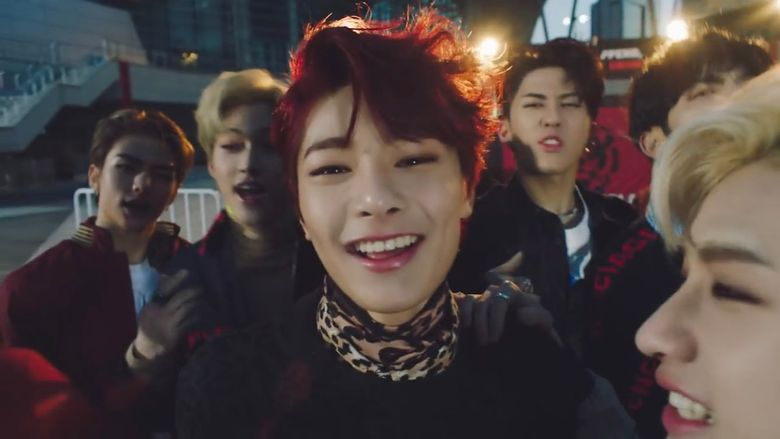 I.N Makes His 'Braceless Debut' With New Stray Kids 'MIROH' MV