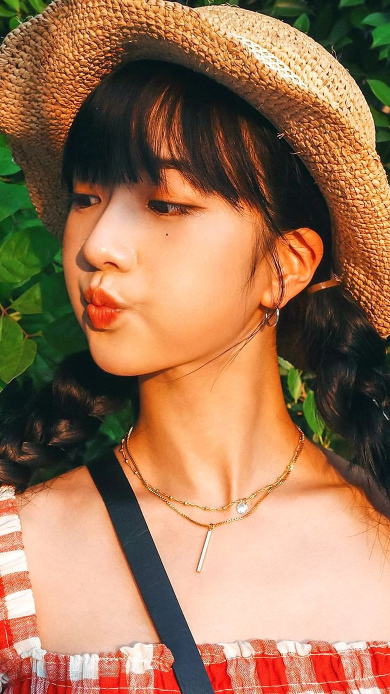 Apink's BoMi Shows Weight Loss As She Travels In Thailand On Her YouTube Channel