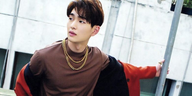 Netizens Discover SHINee Onew's Doppelgänger On Produce X 101