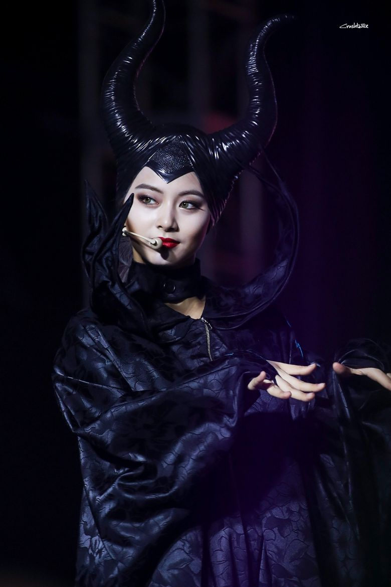 Netizens Can't Help But Agree TWICE's Tzuyu Rocks Halloween Outfit As 'Malificent'