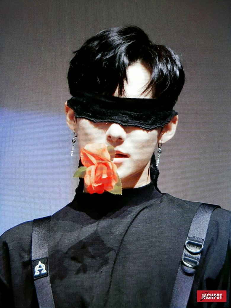 6 K-Pop Idols Who Look Mysterious And Alluring With A Blindfold Part 2