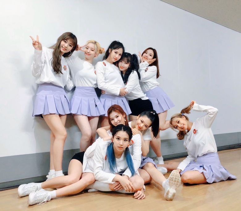 TWICE Signs With US Label, Republic Records For Global Promotion
