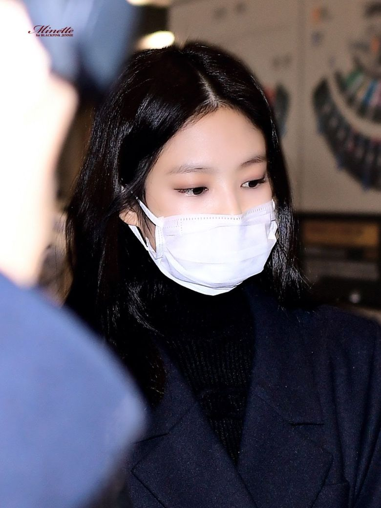 Idols Whose Faces Are Just Too Small For Wearing Masks