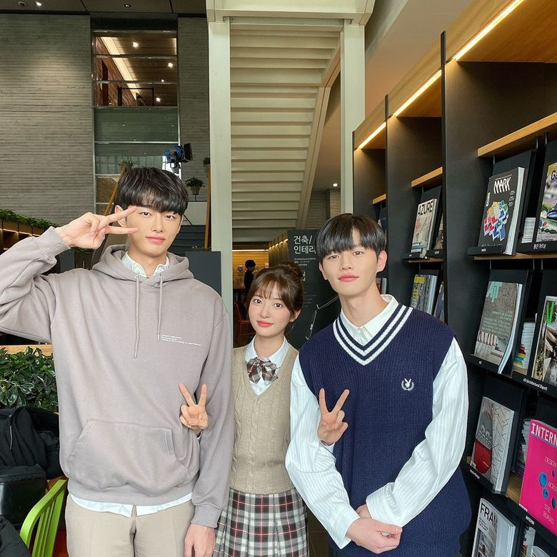 """""""Ending Again"""" Jo SooMin & Kang Hui Caught Attention With +25cm Height Difference"""