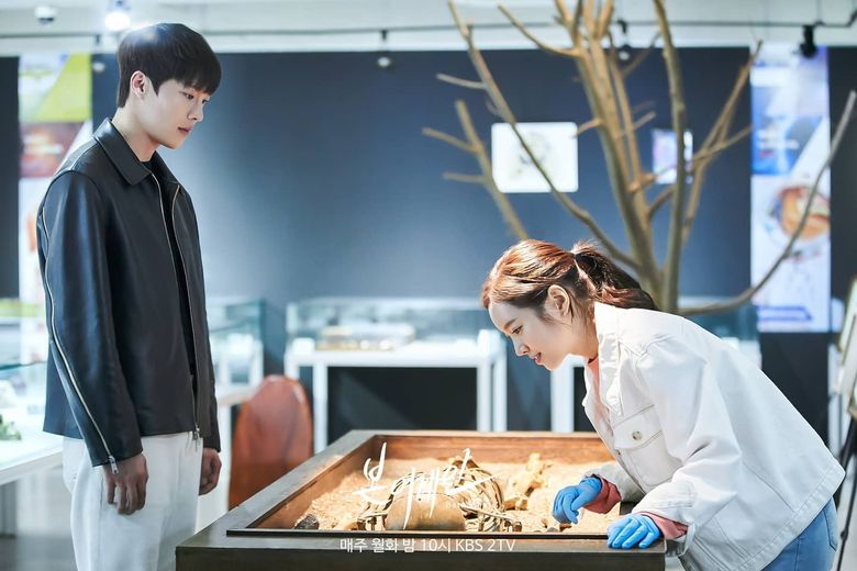 """6 Reasons Why """"Born Again"""" Is The Most Underrated Drama Of The First Half Of 2020"""