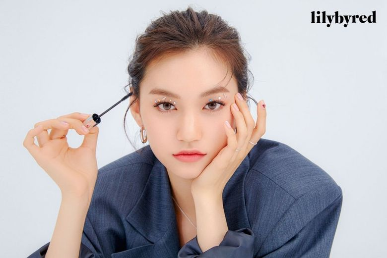 Weki Meki's DoYeon Becomes The New Face For Makeup Brand 'lilybyred'
