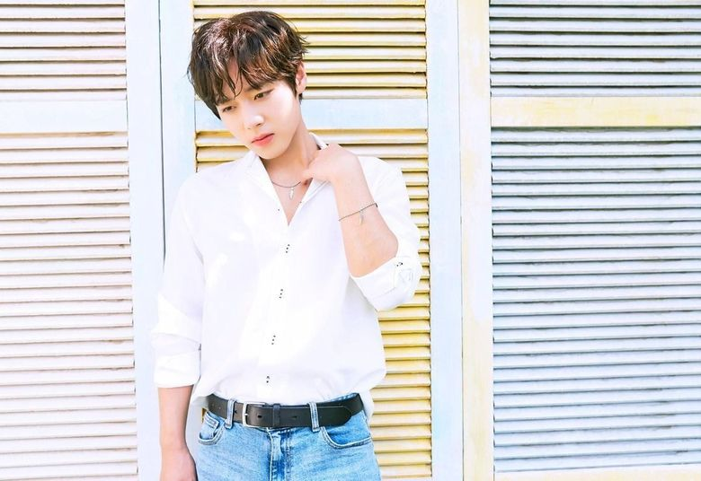 Park JiHoon Brightens The Day With Soft And Lovely Photoshoot With 'Kapsul'
