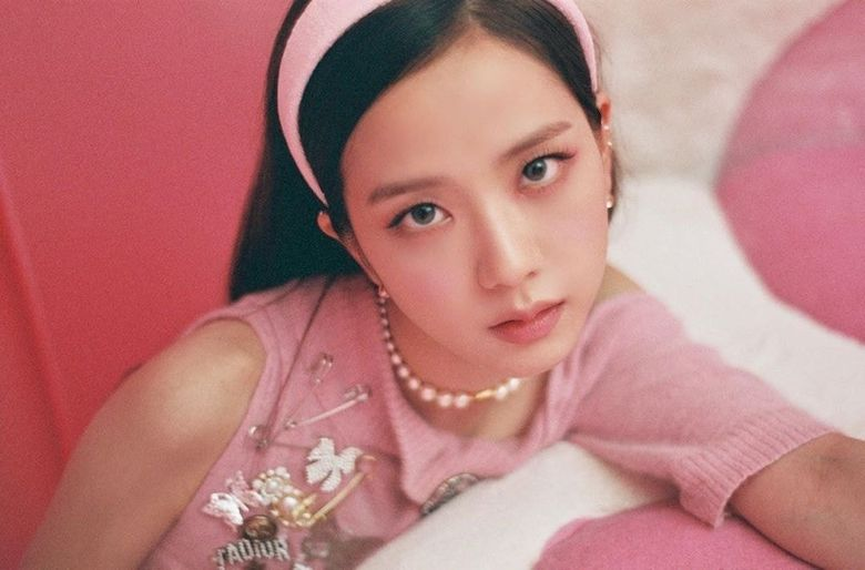BLACKPINK's JiSoo Is Gorgeous In Pink And Pearls