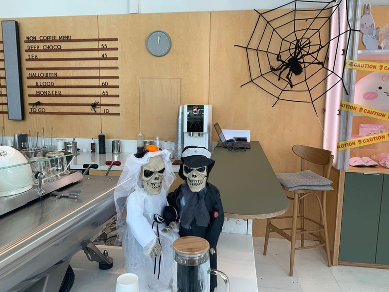 Cafe Of Kang Daniel's Agency, 'Cafe De Konnect', Gets Ready For Halloween With Spooky Decorations