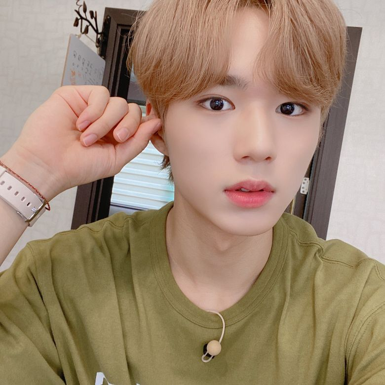WEi's Kim JunSeo Gains Attention For His Visuals From Netizens