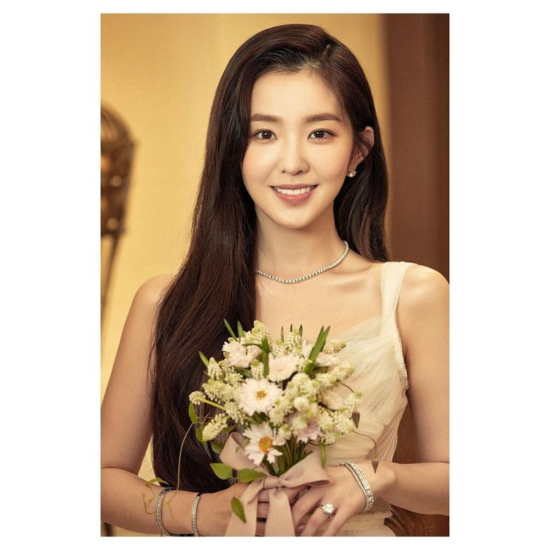 4 Female K-Pop Idols Who Have Stunning And Gorgeous Beauty With 'Bae' As Their Family Name