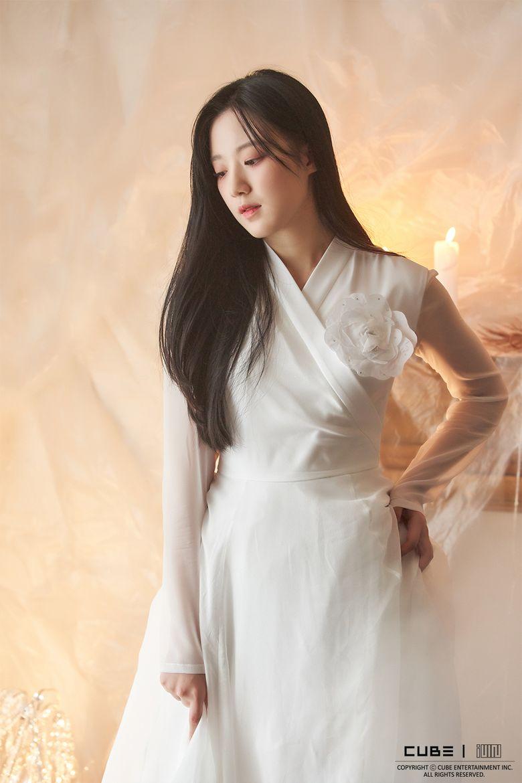 Top 10 Most Beautiful Female Idols According To Kpopmap Readers (April 2021)