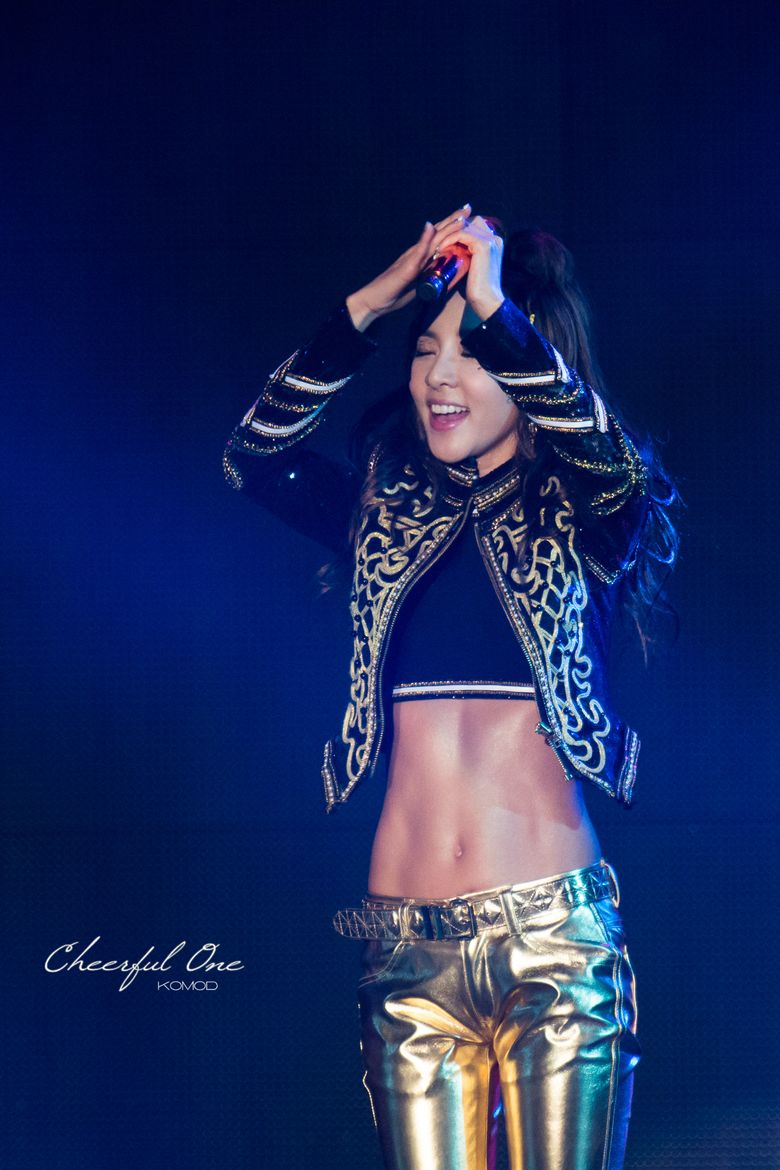 These 5 Female K-Pop Idols Have Abs That Could Beat Male Idols