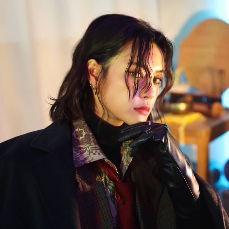 Top 10 K-Pop Idols Who Might Secretly Be Modern Day Gumihos