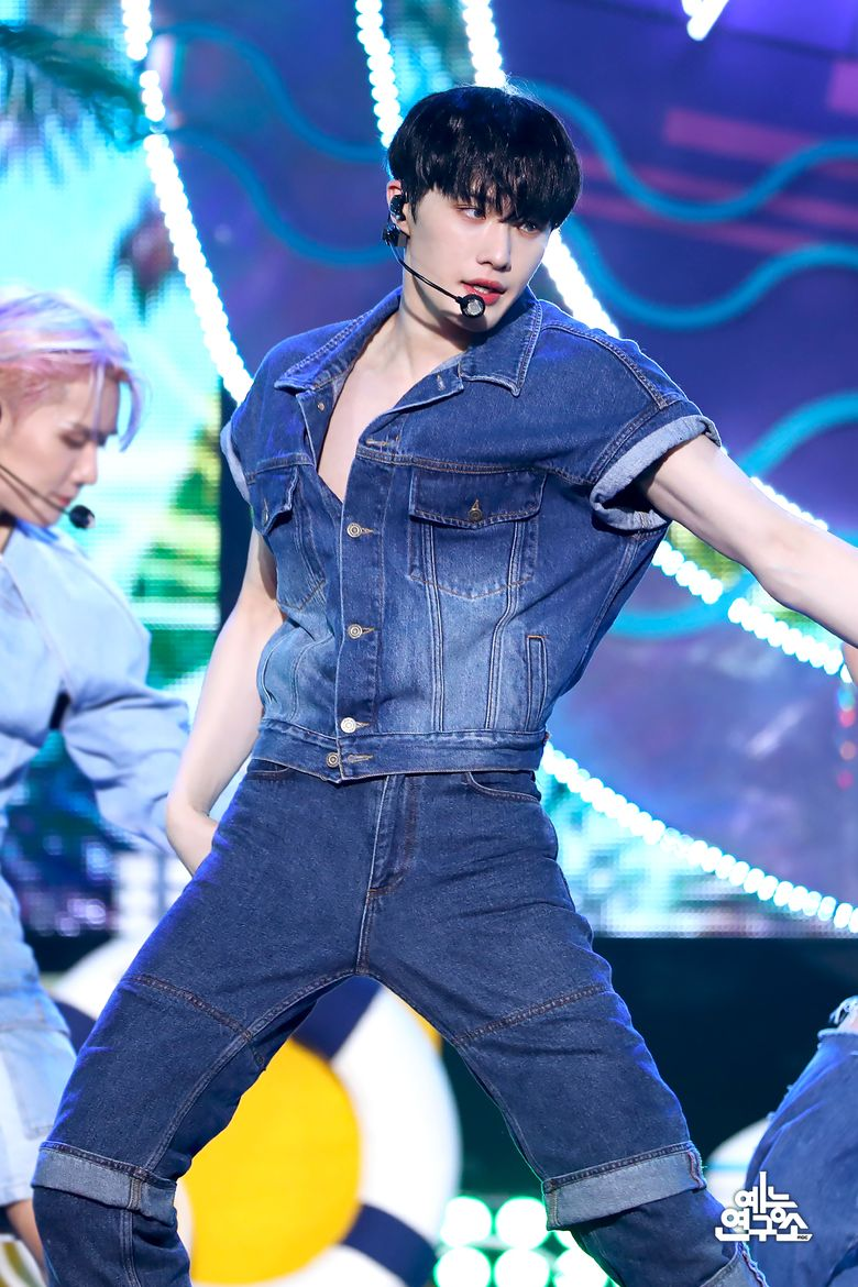 Top 15 Best Summer Stage Outfits Of This Summer (K-Pop Boy Groups Ver.)