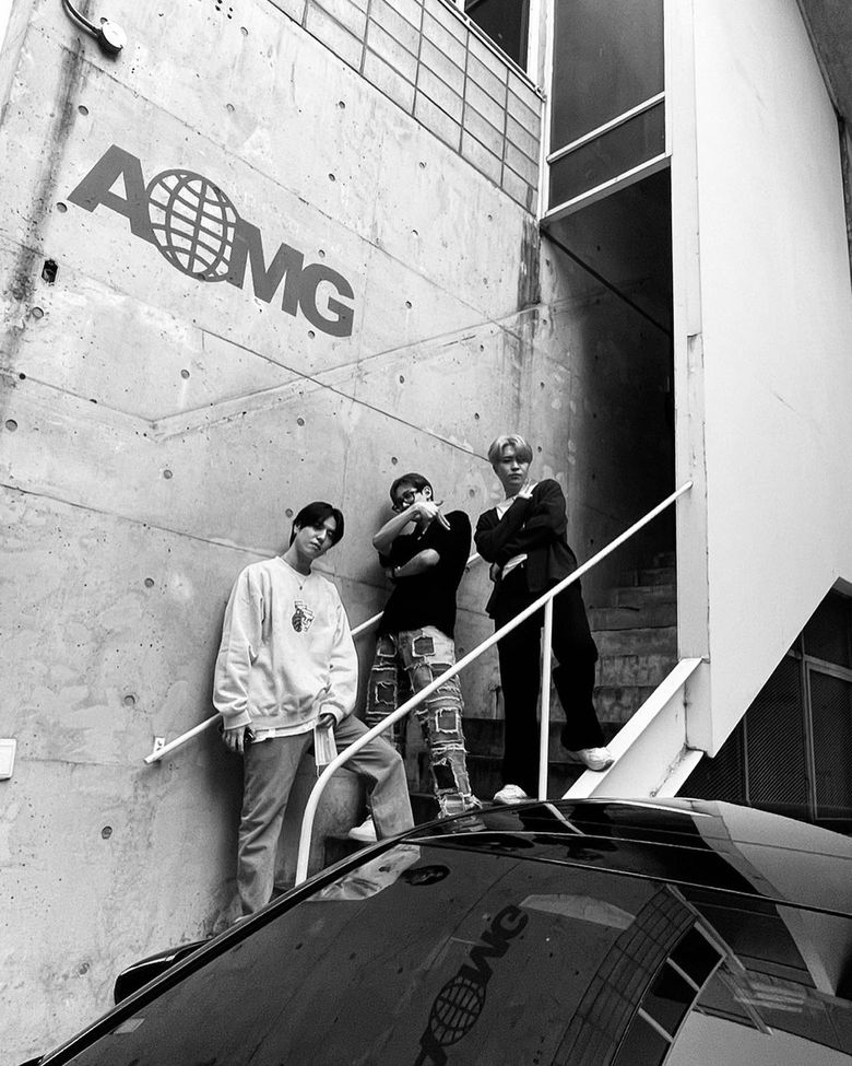 Maknae On Top: GOT7's YuGyeom, YoungJae And BamBam Pose In Front Of AOMG Building