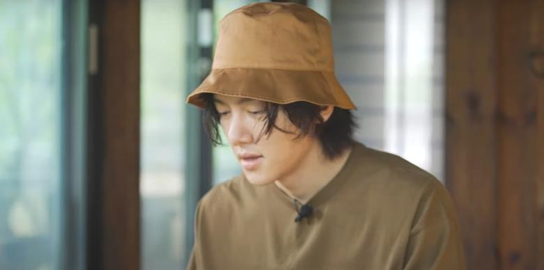 """Ji ChangWook Spends A Cozy Rainy Night In A Hanok In Latest Episode Of """"I'm A Slacker"""""""